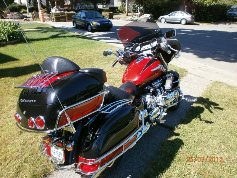 VENDU - Superbe moto originale Honda Valkyrie Interstate 410