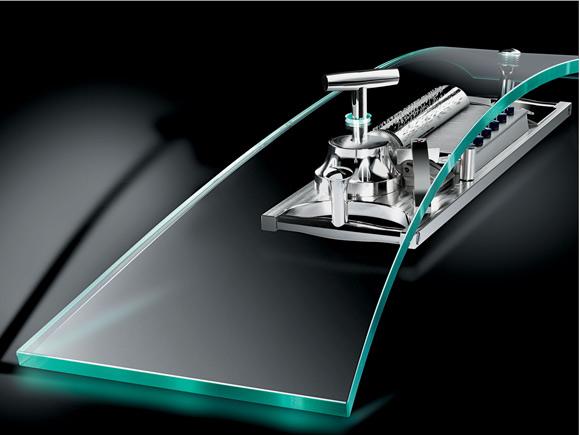 MB&F présente sa nouvelle Music Machine by Reuge :) Reuge-10