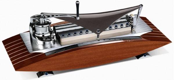 MB&F présente sa nouvelle Music Machine by Reuge :) Winch-10
