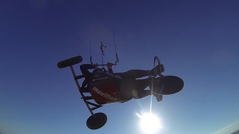 """6 juillet à Berck : """"vautrés sur le sable"""" ou """"kite sub-aquatique""""..?  Vlcsna21"""