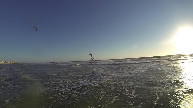 """6 juillet à Berck : """"vautrés sur le sable"""" ou """"kite sub-aquatique""""..?  Vlcsna22"""