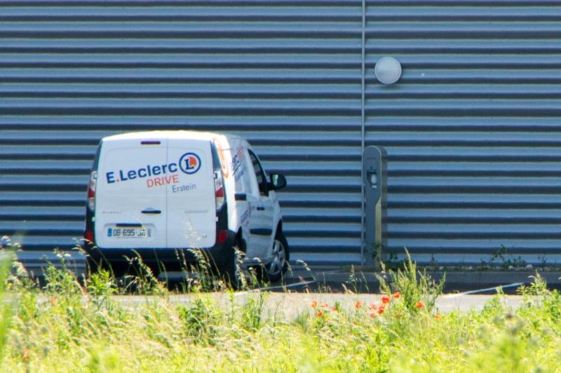 Borne de recharge Leclerc Drive Erstein (67) Imgp1110