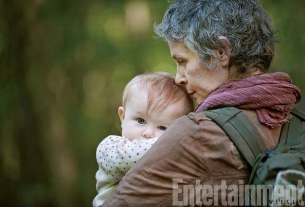 Pages d'informations et de liens en tout genre sur la saison 5 de The Walking Dead Carol_10