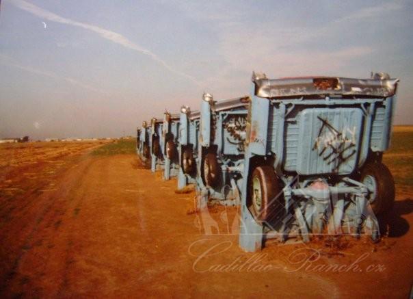 Cadillac Ranch 01-cad10