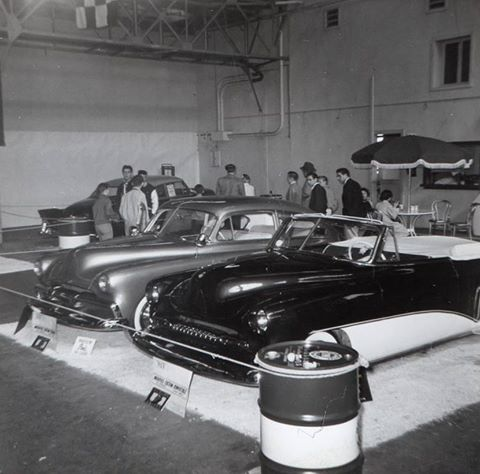 Vintage Car Show pics (50s, 60s and 70s) 10152412