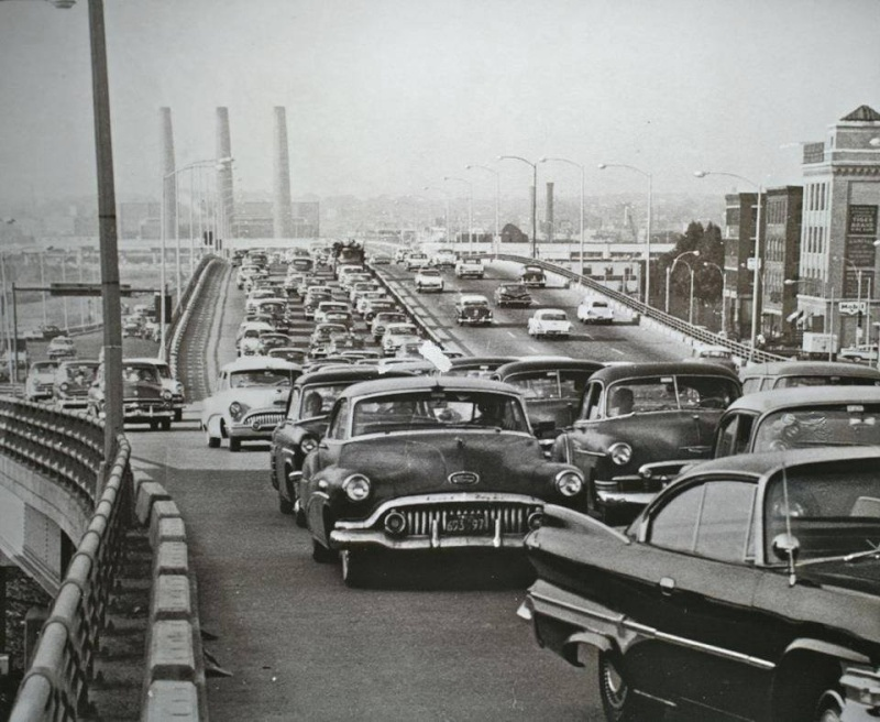 Rues fifties et sixties avec autos - 1950's & 1960's streets with cars - Page 2 10306110