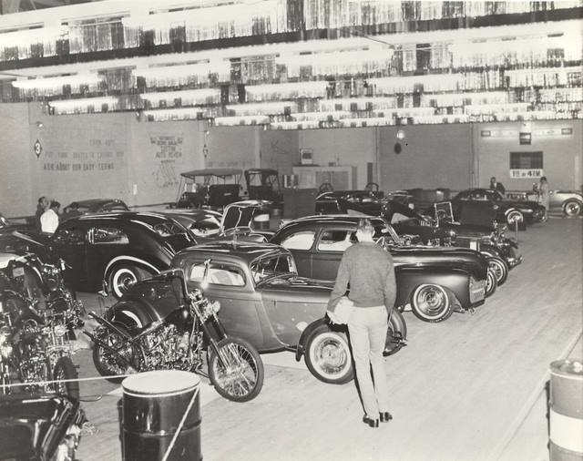 Vintage Car Show pics (50s, 60s and 70s) - Page 4 10368110