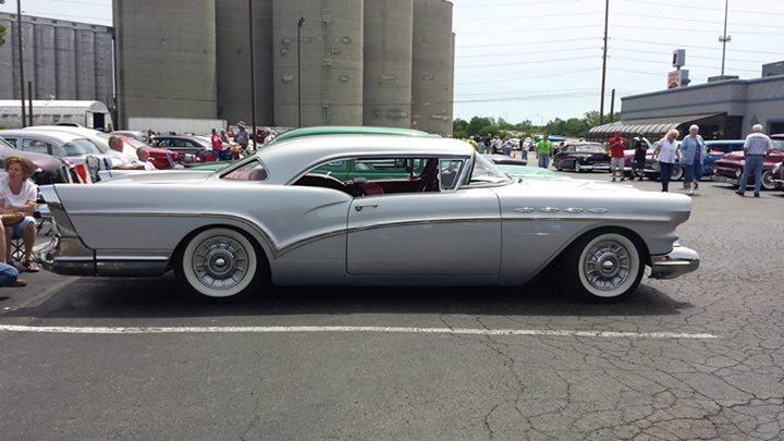 Buick 1955 - 57 custom & mild custom - Page 3 10417611