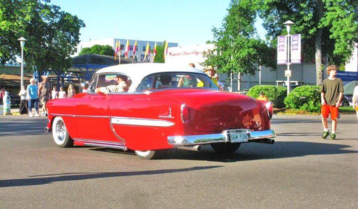 Chevy 1953 - 1954 custom & mild custom galerie - Page 6 10422410