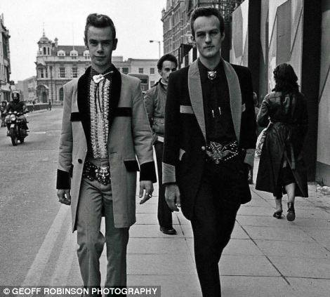 Teddy Boys - Page 2 10527611