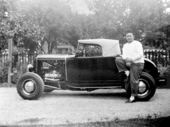 "Hot rod in street - Vintage pics - ""Photos rétros"" -  - Page 3 10628310"