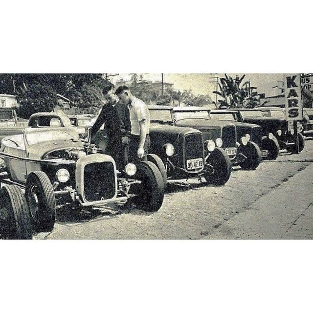 "Hot rod in street - Vintage pics - ""Photos rétros"" -  - Page 3 10629711"