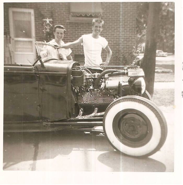"Hot rod in street - Vintage pics - ""Photos rétros"" -  - Page 3 10629712"