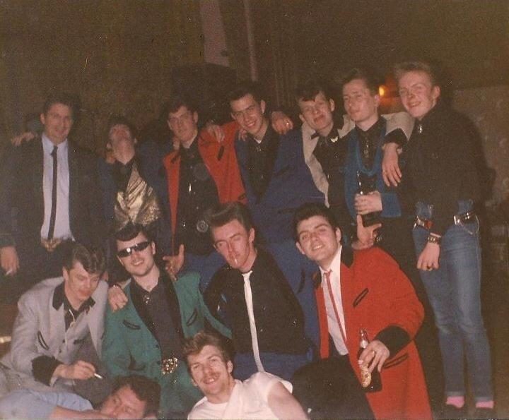 Teddy Boys - Page 2 10665711