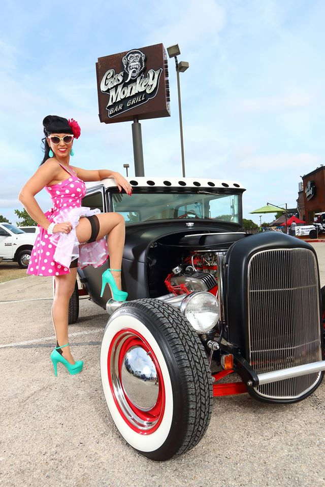 hot rod, custom and classic car babes - Page 6 10683510