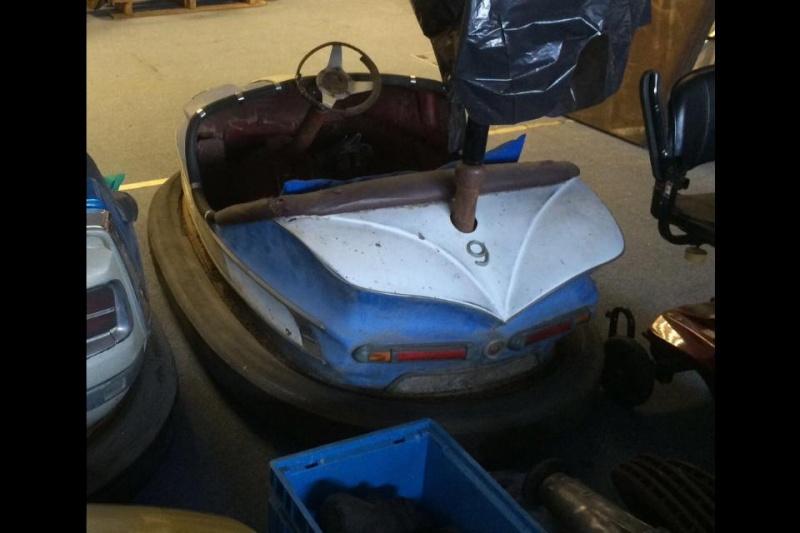 Véhicules de manege et Autos tamponeuses 10689910