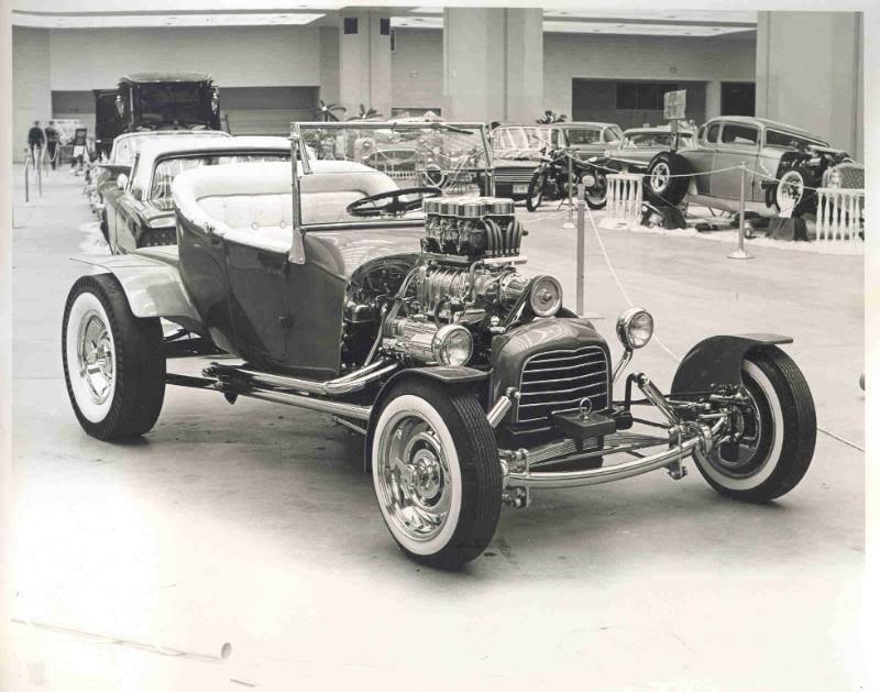 Vintage Car Show - Page 3 10881613