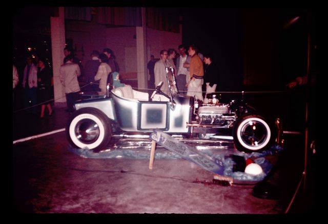 Vintage Car Show pics (50s, 60s and 70s) - Page 4 10885310