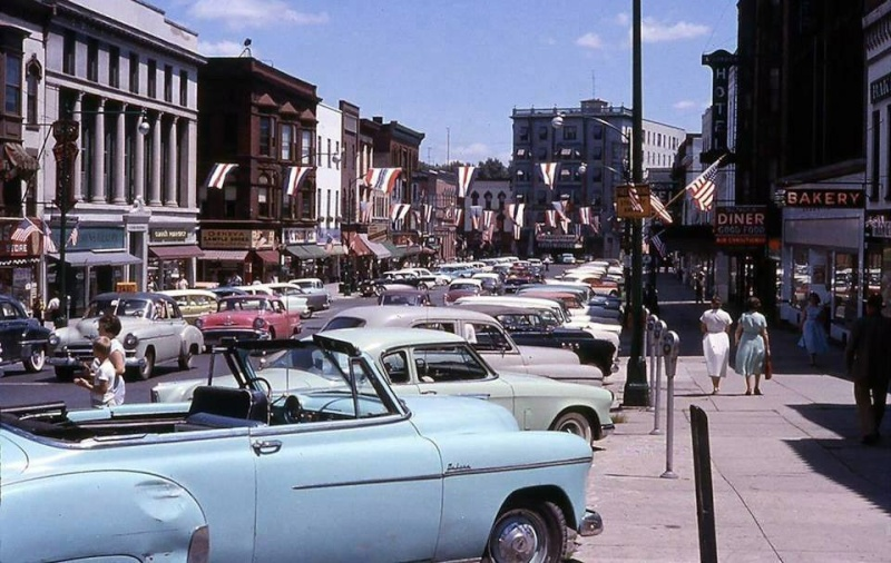 Rues fifties et sixties avec autos - 1950's & 1960's streets with cars - Page 2 10897710