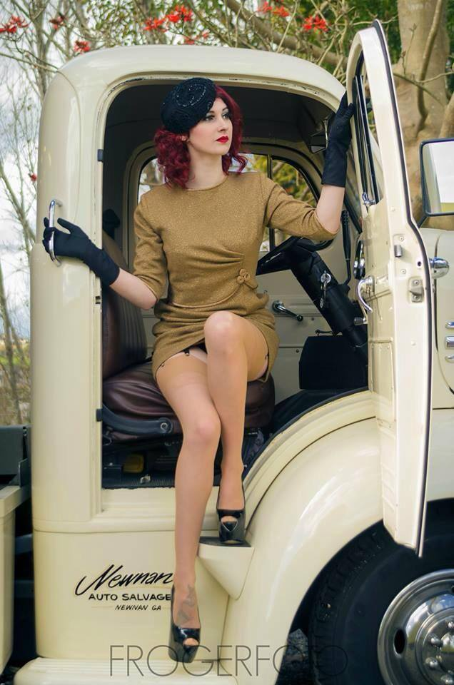 hot rod, custom and classic car babes - Page 6 12193_10