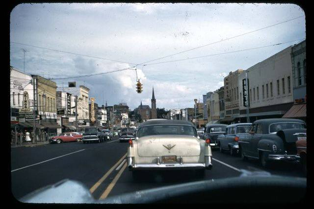 Rues fifties et sixties avec autos - 1950's & 1960's streets with cars - Page 2 14851110