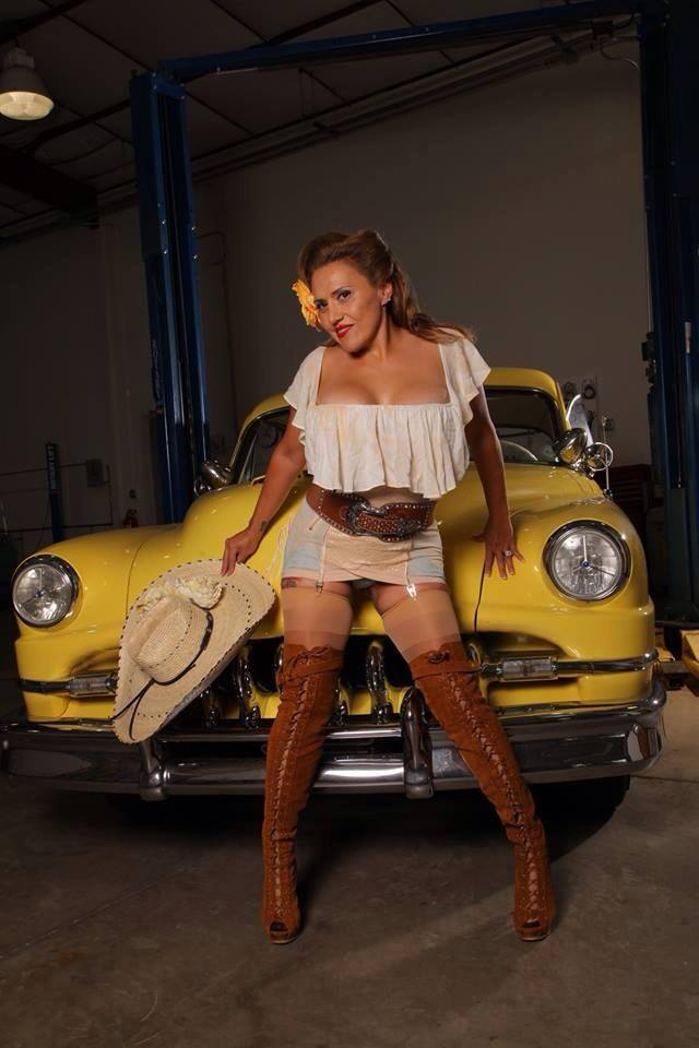 hot rod, custom and classic car babes - Page 6 15039210