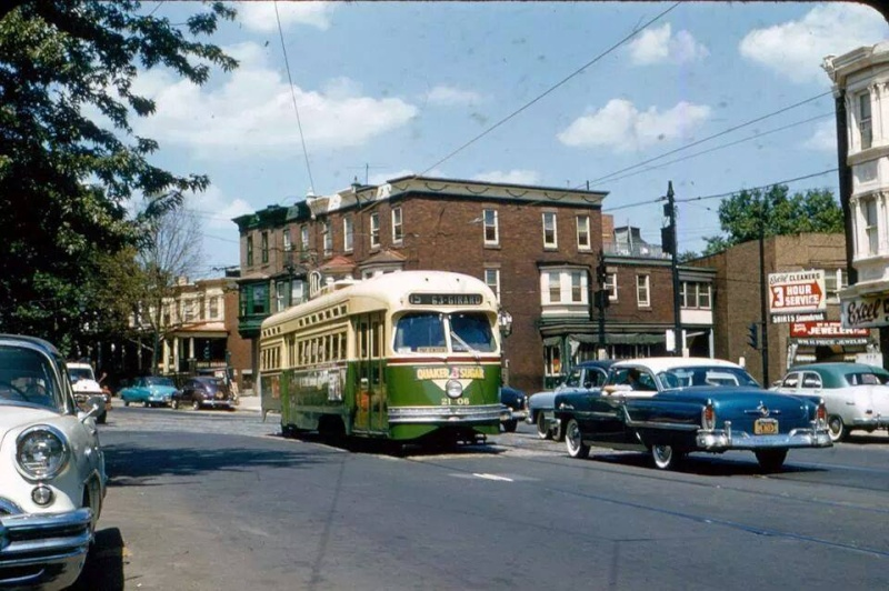 Rues fifties et sixties avec autos - 1950's & 1960's streets with cars - Page 2 16220910