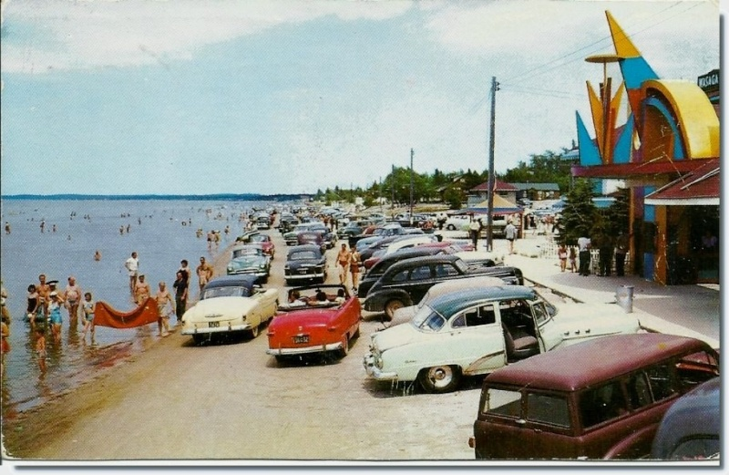 Rues fifties et sixties avec autos - 1950's & 1960's streets with cars - Page 2 19078910