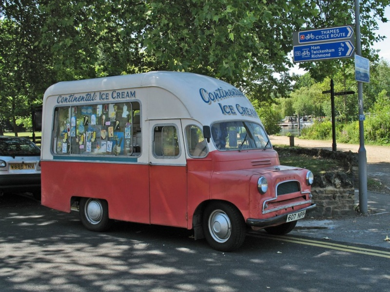 Camionettes et petits utilitaires - Mini truck and Delivery - Page 2 23634910