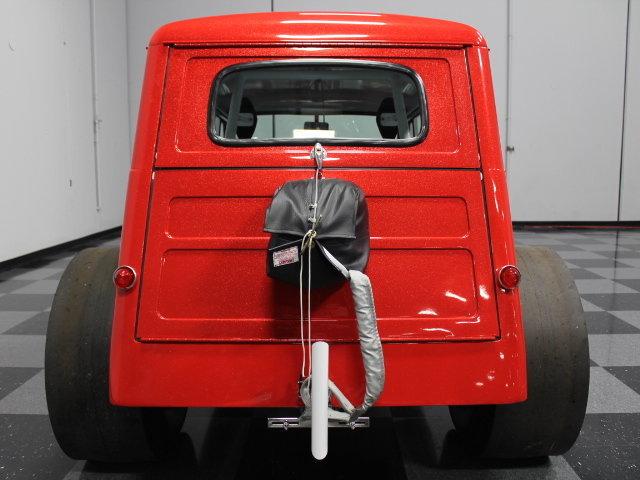 Slingshot & vintage dragster  24341510