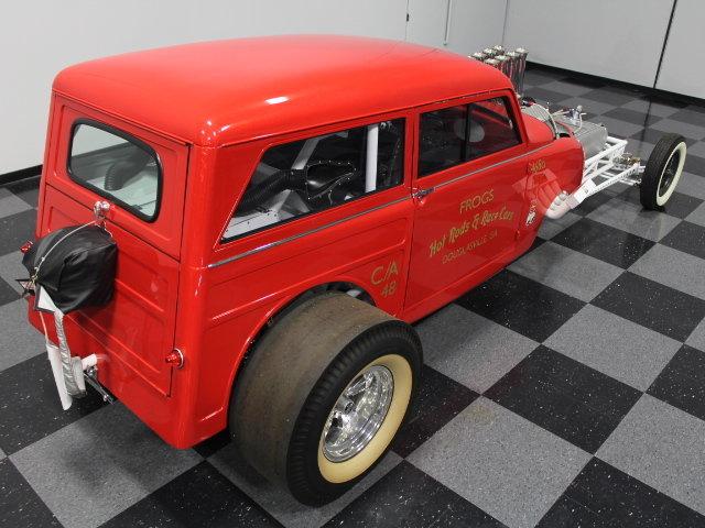 Slingshot & vintage dragster  24341710