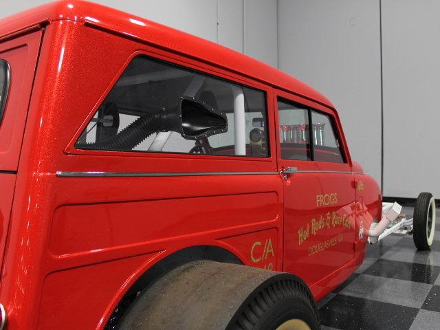 Slingshot & vintage dragster  24342010