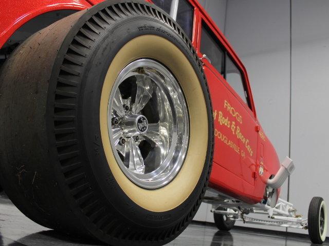 Slingshot & vintage dragster  24342210