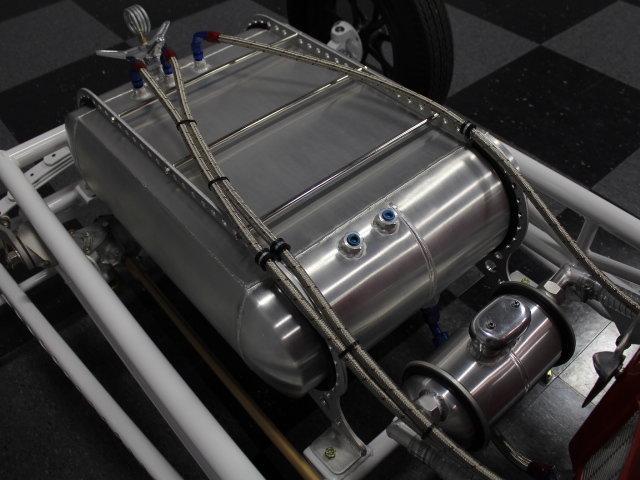 Slingshot & vintage dragster  24344110