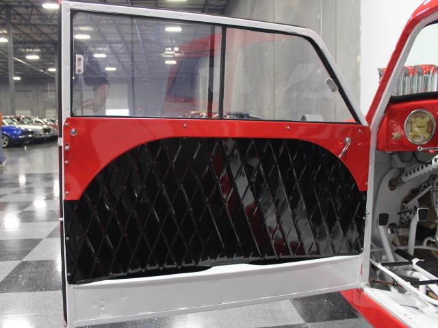 Slingshot & vintage dragster  24344410