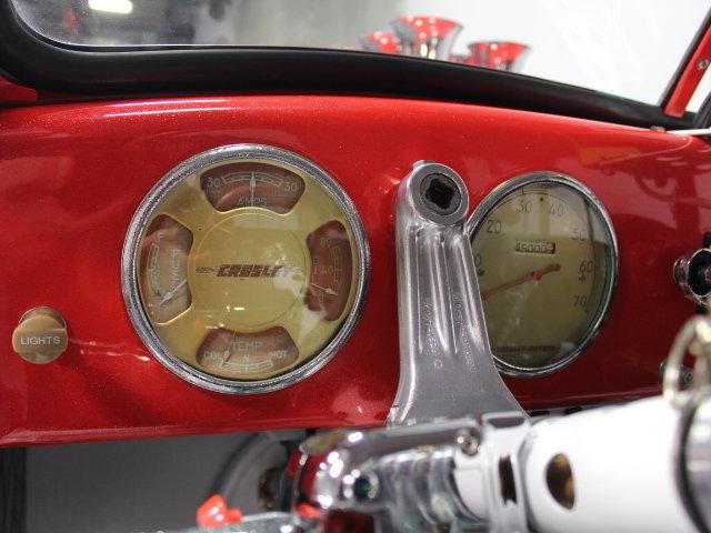 Slingshot & vintage dragster  24344611