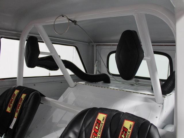 Slingshot & vintage dragster  24345010