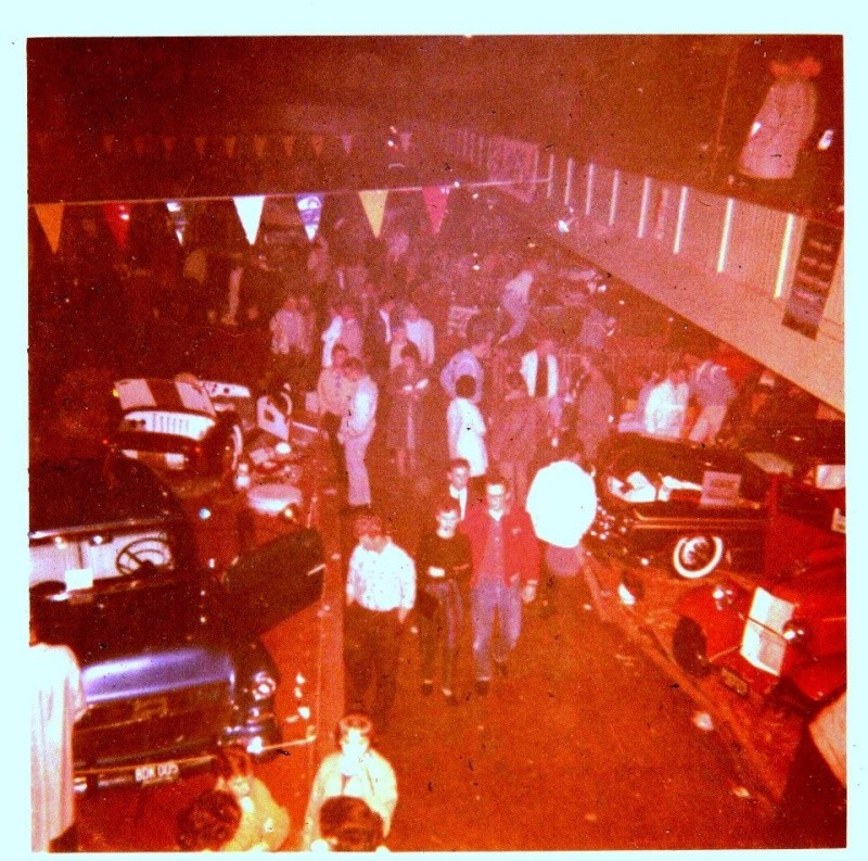 Vintage Car Show pics (50s, 60s and 70s) 68948_10