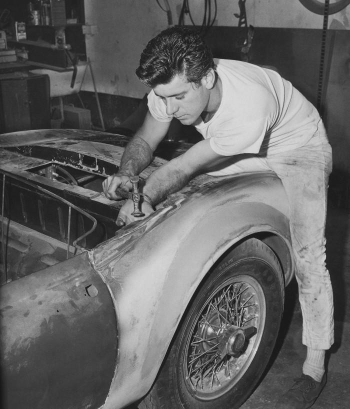 Dean Jeffries: 50 Fabulous Years in Hot Rods, Racing & Fil - Tom Cotter - motorbooks Deanje11