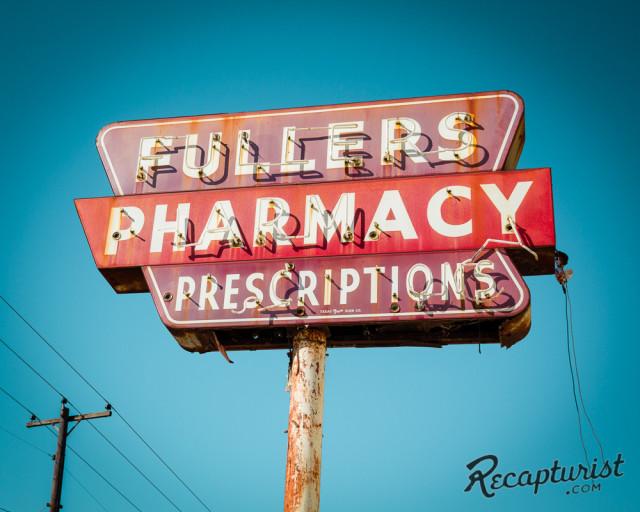 Recapturist - photos d'enseignes néons et bâtiments - vintage sign pics 1950's USA Fuller10