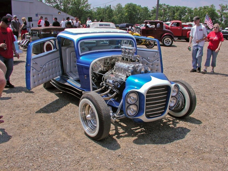 The Little Deuce Coupe - The Silver Sapphire - Clarence Catallo's 1932 Ford P1010113