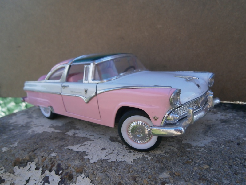 American classic car - Hot Rods & Customs 1/18 scale P6040034
