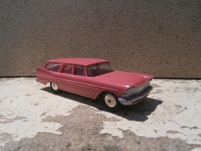 Classics Cars Corgi 1/43 scale P6200016