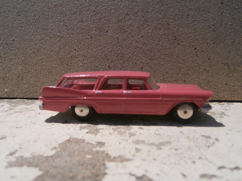 Classics Cars Corgi 1/43 scale P6200018