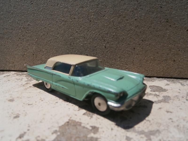 Classics Cars Corgi 1/43 scale P6200019