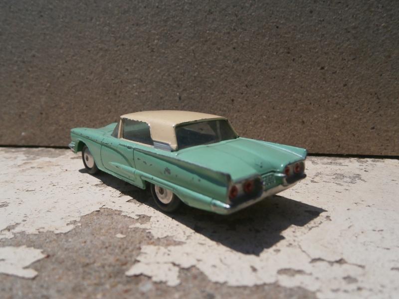 Classics Cars Corgi 1/43 scale P6200020