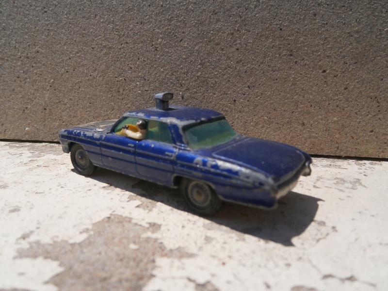 Classics Cars Corgi 1/43 scale P6200026