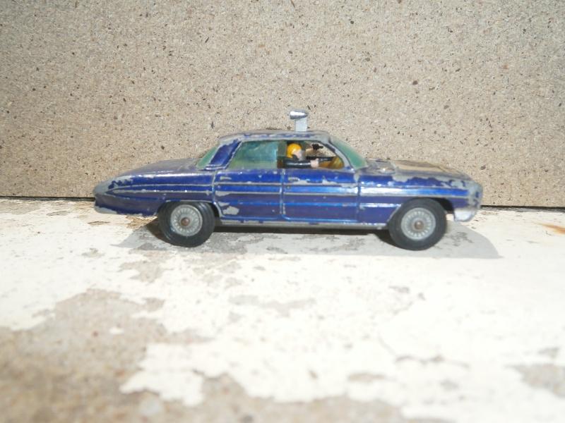 Classics Cars Corgi 1/43 scale P6200027