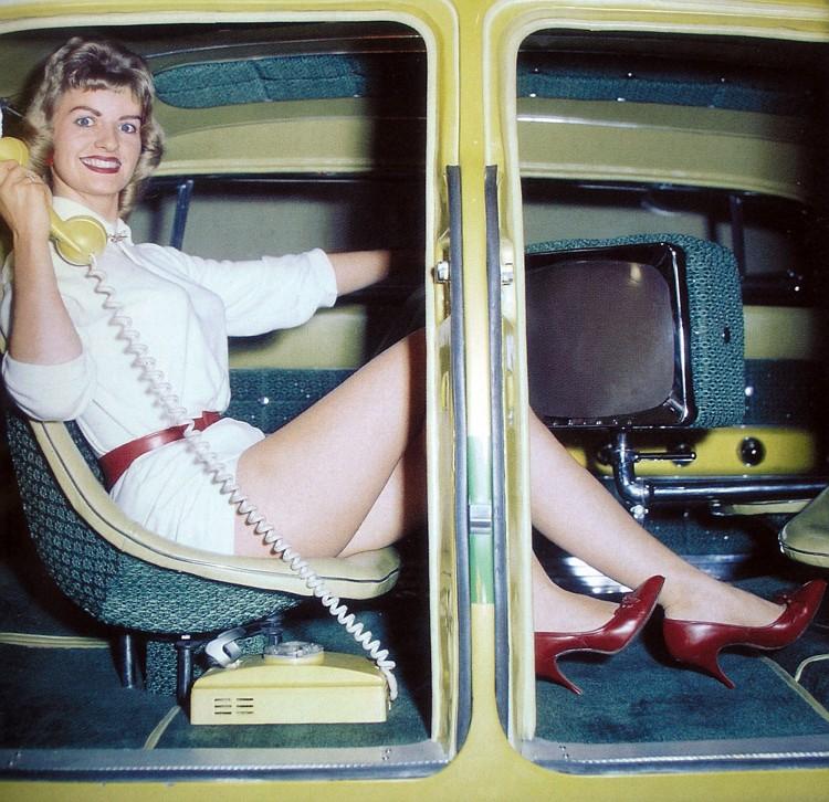 1947 Studebaker - Modern Grecian - Earl Wilson's - George Barris Pa070010