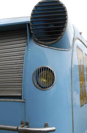 Les véhicules de la Caravane du Tour de France 1950's & 1960's - Page 4 Sans-t47